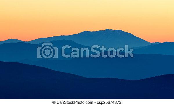 Montaña - csp25674373