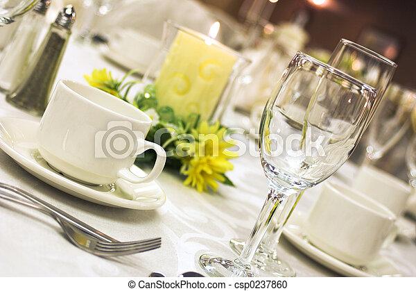 montaggio cena, formale - csp0237860