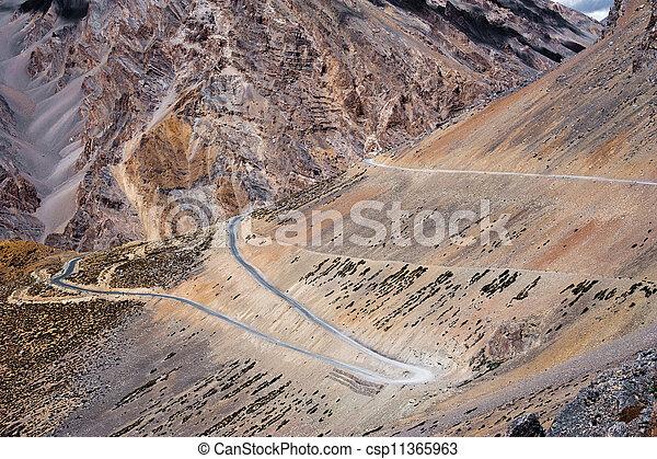montagna, 4300, paesaggio., altitudine, m, pianure, alto, india, ladakh., strada, himalaya, sarchu - csp11365963