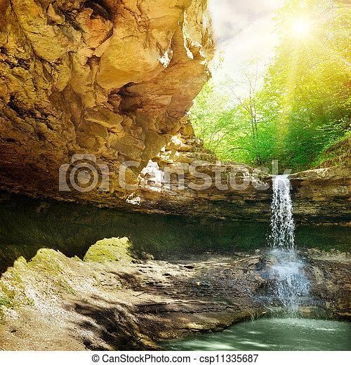 montagna, cascata - csp11335687