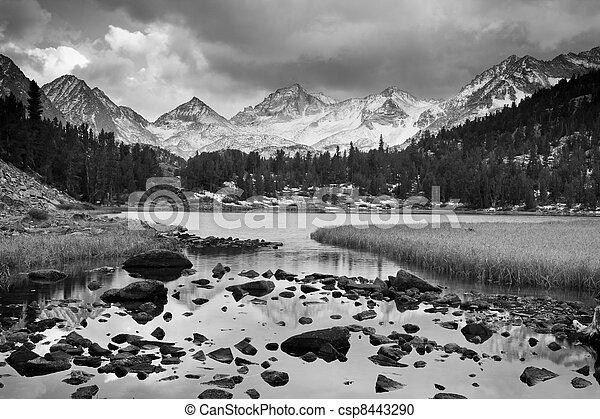 montagna, drammatico, paesaggio, nero, bianco - csp8443290