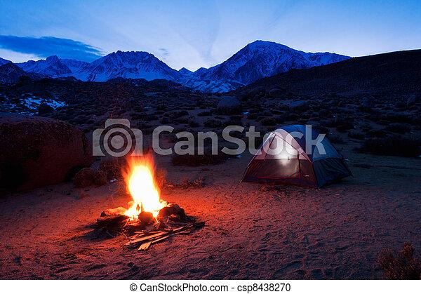 montagne, campeggio - csp8438270