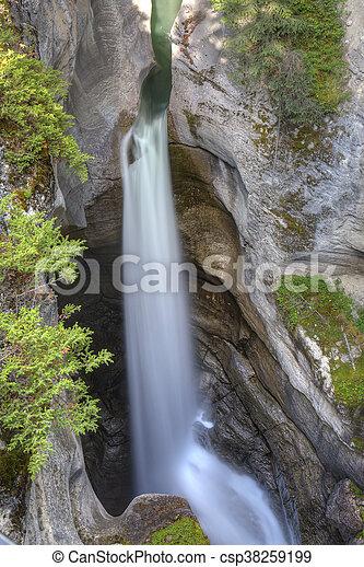 montagne, cascata, roccioso, canadese - csp38259199
