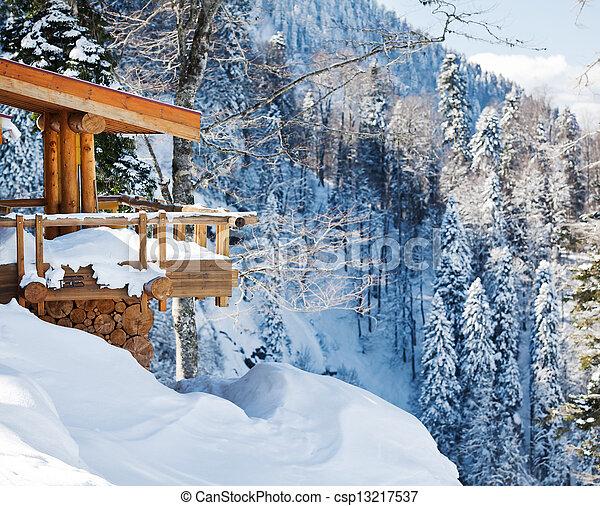 Montagne chalet bois neige ski vue photos de stock for Prix chalet bois montagne