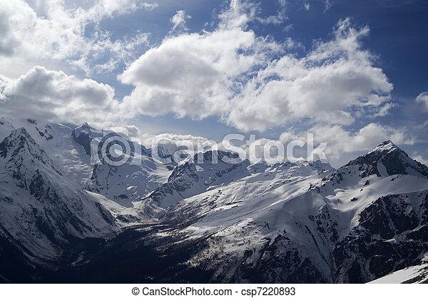 montagne, nubi, hight - csp7220893
