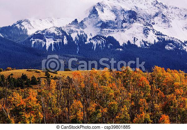 montagne, roccioso - csp39801885