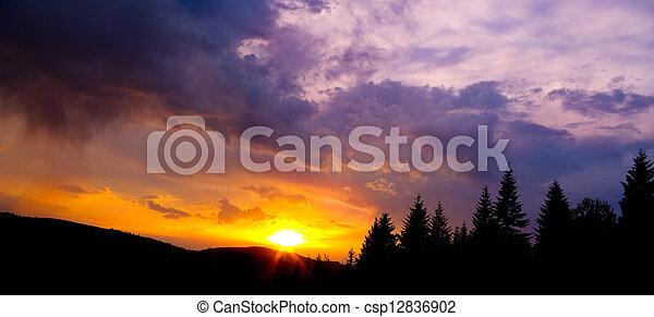 montagne, silhouette, tramonto, colorito, cielo - csp12836902