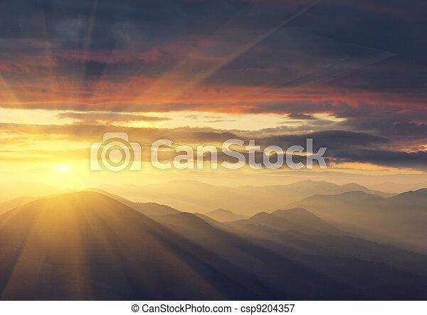 montagnes, levers de soleil - csp9204357
