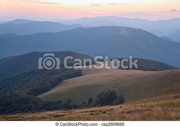montanha, alvorada, nebuloso - csp2609666