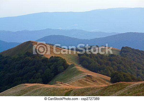 montanha, alvorada, nebuloso - csp2727389