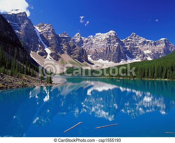 montanhas azuis, lago - csp1555193