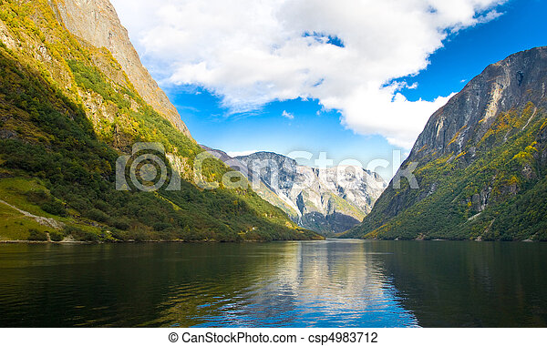 montanhas, fjord, noruega - csp4983712