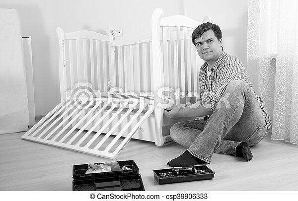 Montieren Boden Foto Sitzen Heimwerker Schwarz Weißes Möbel