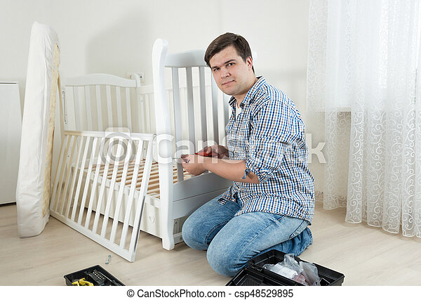 Montieren Zimmer Sitzen Boden Heimwerker Neu Leerer Möbel