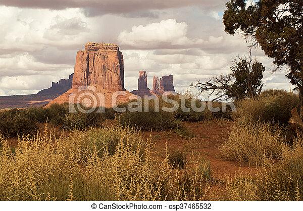 El parque tribal de Monument Valley Navajo - csp37465532