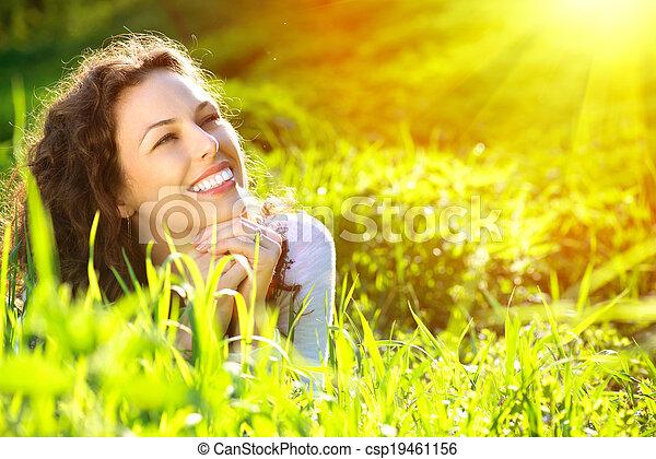 mooi, genieten, vrouw, natuur, jonge, outdoors. - csp19461156