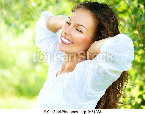 mooi, genieten, vrouw, natuur, outdoor., jonge - csp19461233