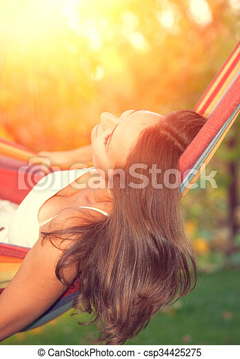 mooi, hangmat, vrouw, jonge, relaxen - csp34425275