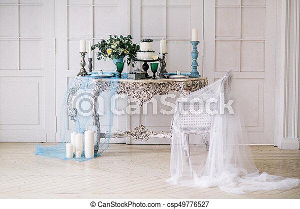 Mooi kaarsjes vaas studio decoreren huwelijkscake stockfoto