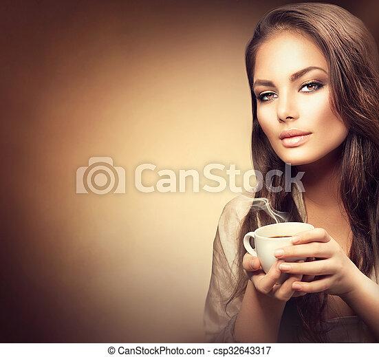 mooi, koffie, vrouw, jonge, warme, drinkt - csp32643317