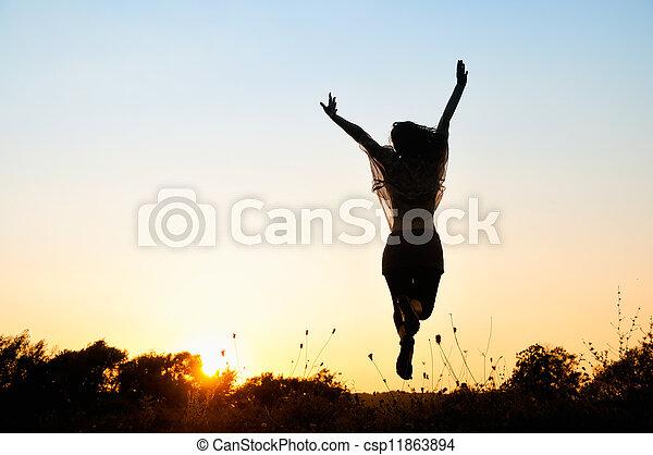 mooi, meisje, springt, vrijheid - csp11863894
