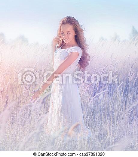mooi, tiener, romantische, natuur, model, het genieten van, meisje - csp37891020