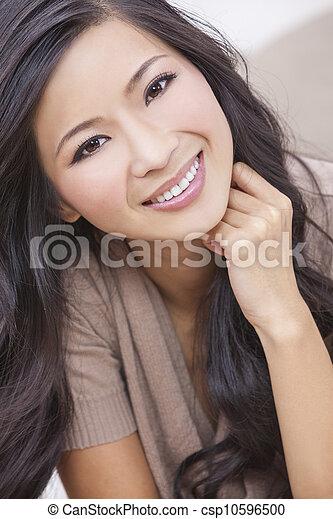 mooie vrouw, chinees, oosters, aziaat, het glimlachen - csp10596500