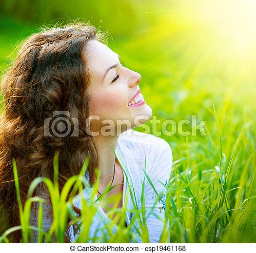 mooie vrouw, natuur, lente, jonge, buitenshuis, het genieten van - csp19461168