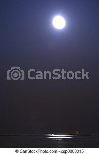 Moon over quiet water - csp0000015