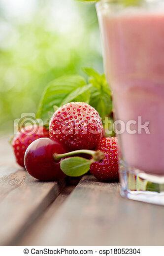 moranguinho, bebida fruta - csp18052304