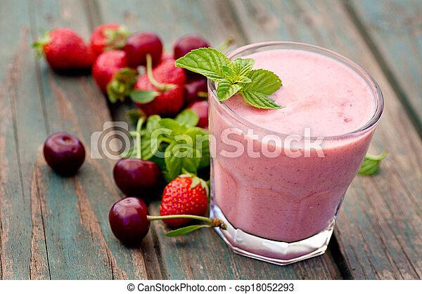 moranguinho, bebida fruta - csp18052293
