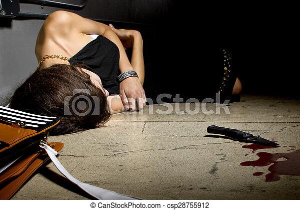 mord, kvinnlig, offer, blodig - csp28755912