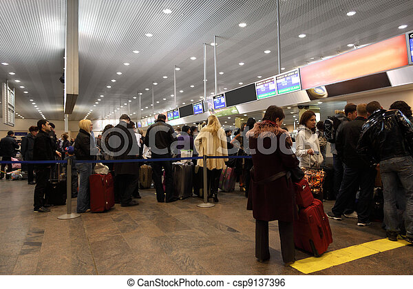 MOSCOW - DECEMBER 29: Turns to the registration desk at the airport Sheremetyevo, December 29, 2009, Moscow, Russia. - csp9137396