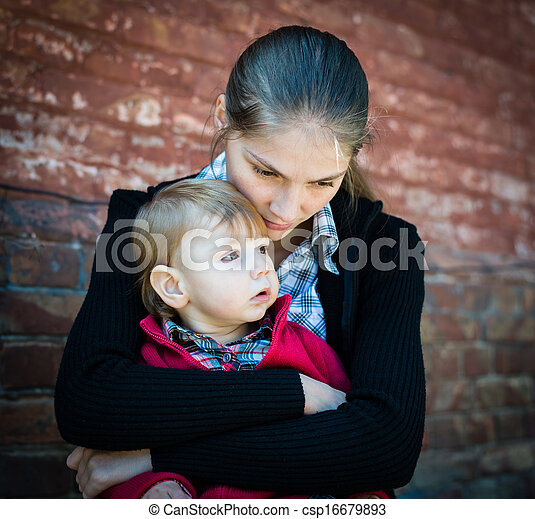 mother and child - csp16679893