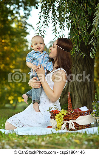 mother with little son - csp21904146