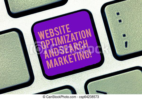 Palabras que escriben página web optimización y marketing de búsqueda. El concepto de negocio para la optimización del motor de búsqueda de la llave de teclado para crear un mensaje de ordenador, una idea apremiante de teclado. - csp64238573