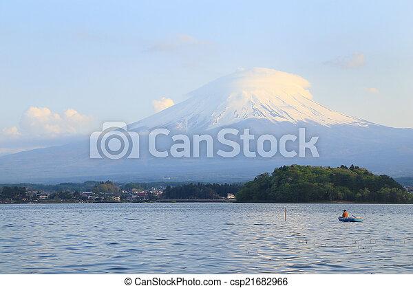 Mount Fuji, view from Lake Kawaguchiko - csp21682966