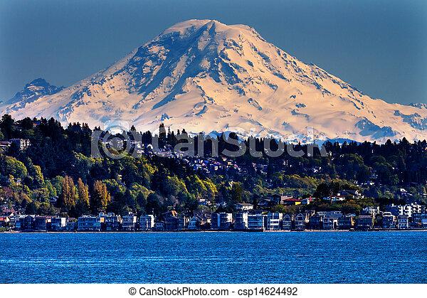 Mount Rainier Puget Sound North Seattle Snow Mountain Washington State Pacific Northwest - csp14624492