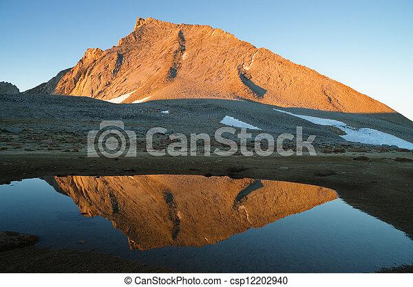 Mount Tyndall - csp12202940