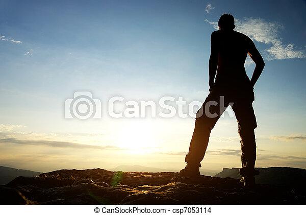 mountain., silhouette, homme - csp7053114