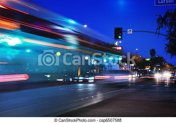 movimento, acelerando, autocarro, obscurecido - csp6507588