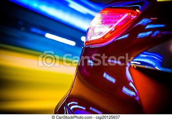 El coche trasero está borroso - csp20125637
