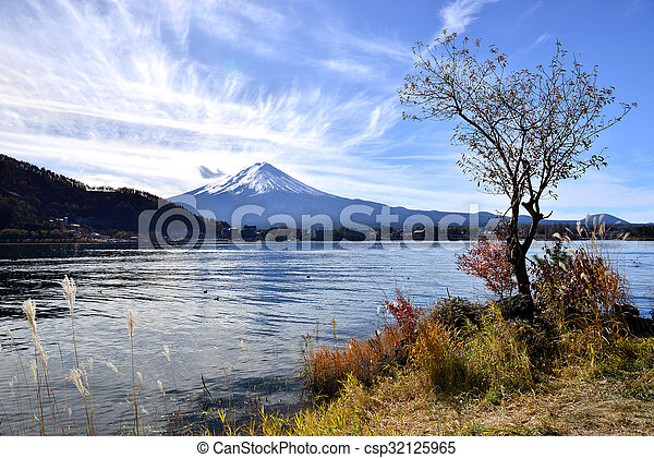 Mt Fuji from Lake Kawaguchiko, Tokyo, Japan - csp32125965