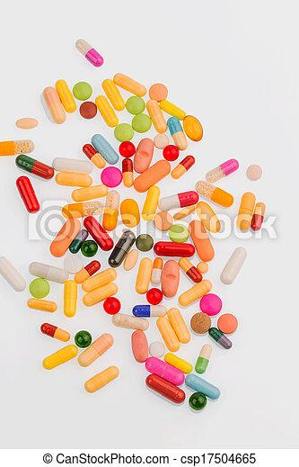 Muchas píldoras coloridas - csp17504665