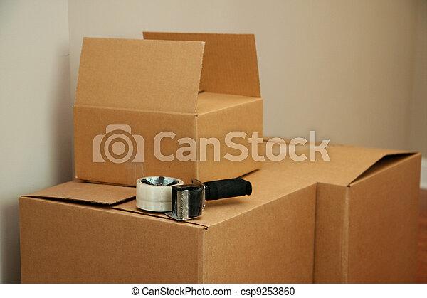 Moviéndose - csp9253860