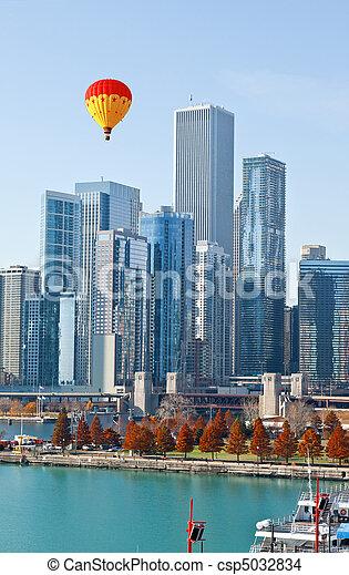 El Chicago Skyline y el muelle de la marina - csp5032834