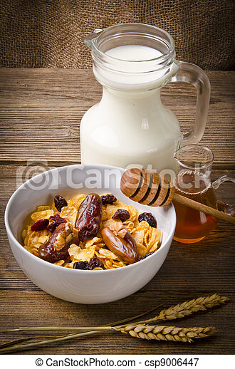 Muesli with low-fat milk and rusk - csp9006447