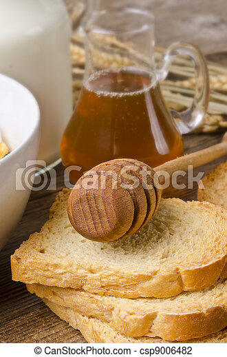 Muesli with low-fat milk and rusk - csp9006482