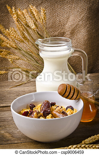 Muesli with low-fat milk and rusk - csp9006459