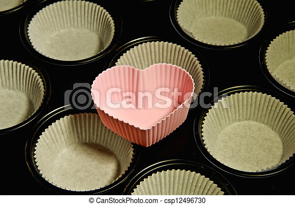 muffin cake pan heart - csp12496730